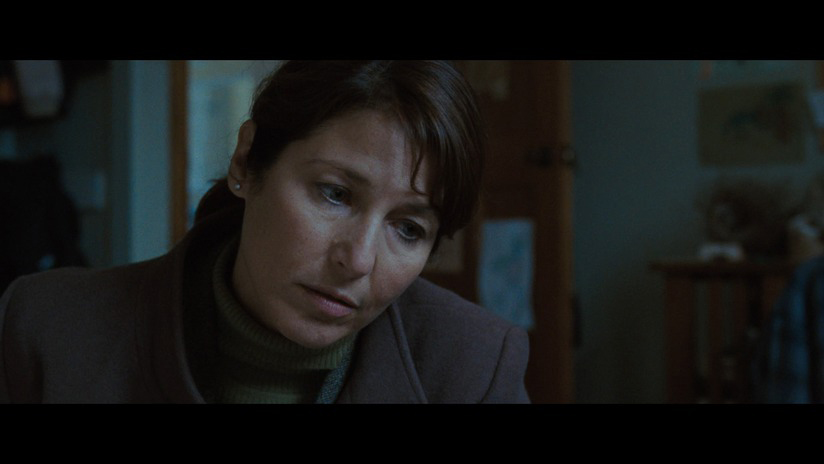 catherine keener 2009. Catherine Keener gives a small