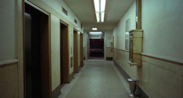 taxi_driver_hallway
