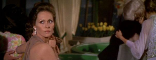 the_towering_inferno_faye_dunaway